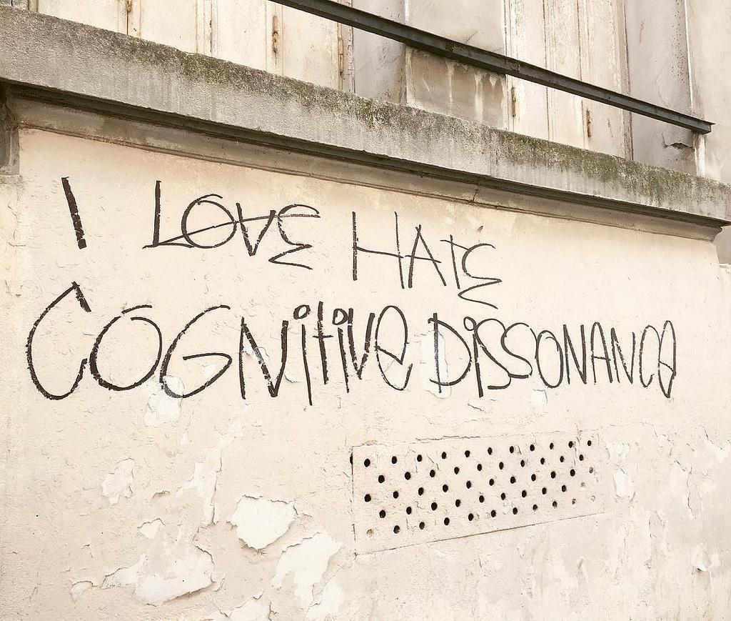 cognitive_dissonance_grafitti_2